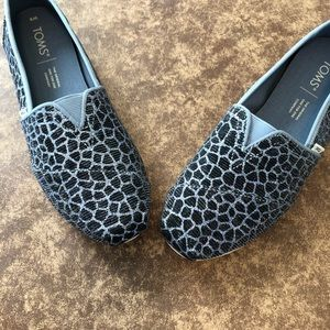 Tom's women' Alpargatas new Black/silver geometric